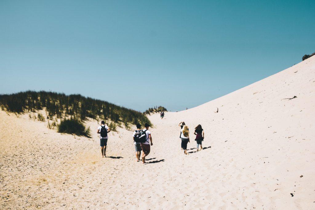 promeneurs sur la dune du pilat