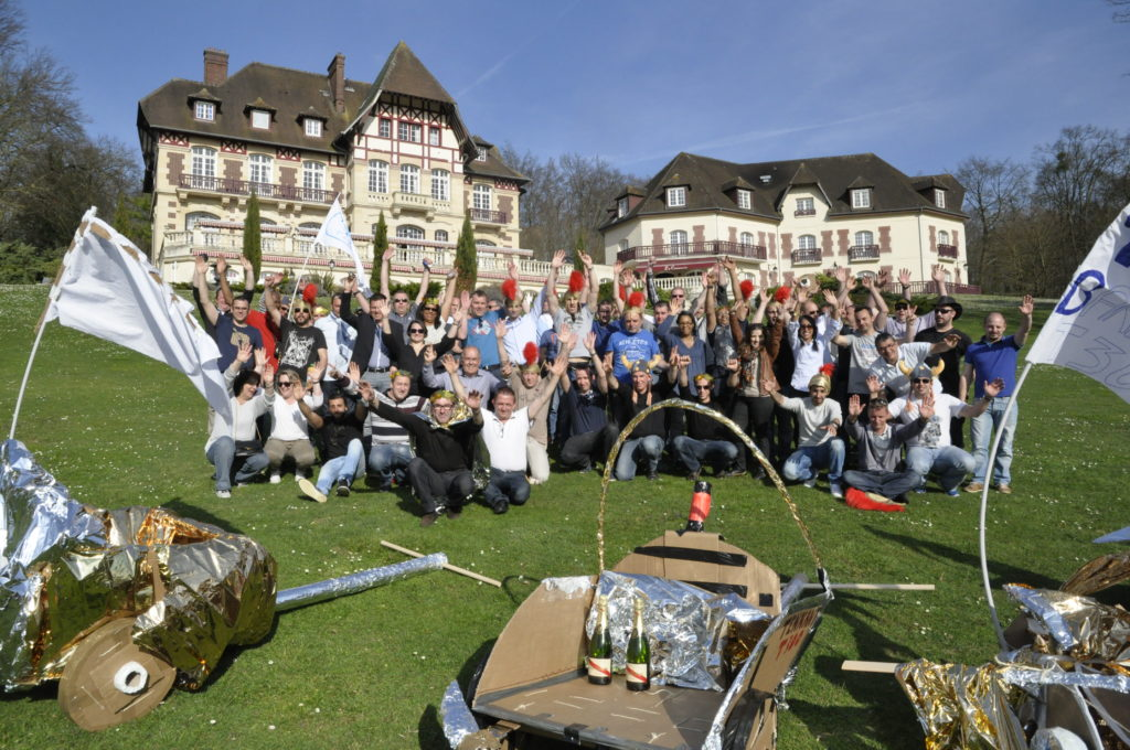 Team-building chars en carton