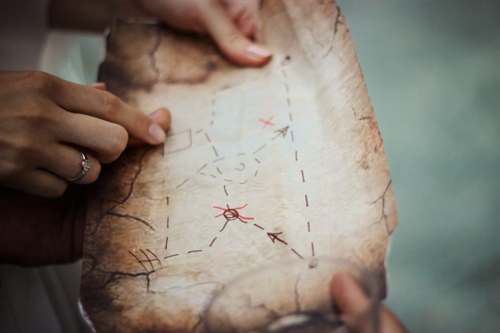 gros plan sur une carte au trésor